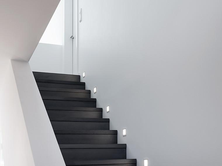 Fertighaus Bauhausstil Treppenansicht