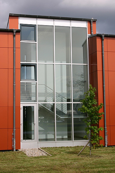 Glasfront mit Tür