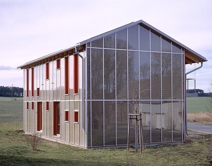 Fertighaus für Kreative: Gebäude