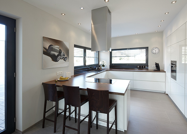 Zweifamilienhaus: Blick in die Küche