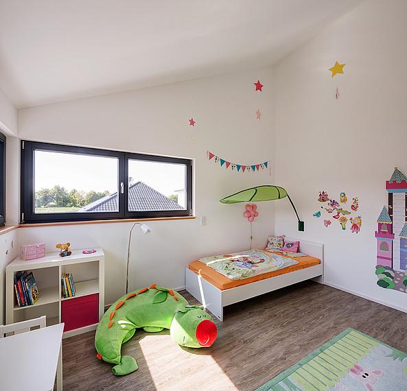 Fertighaus mit Einliegerwohnung: Kinderzimmer