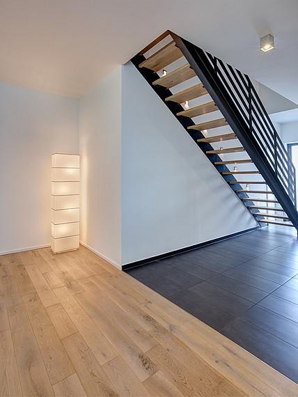 Modernes Einfamilienhaus Treppe