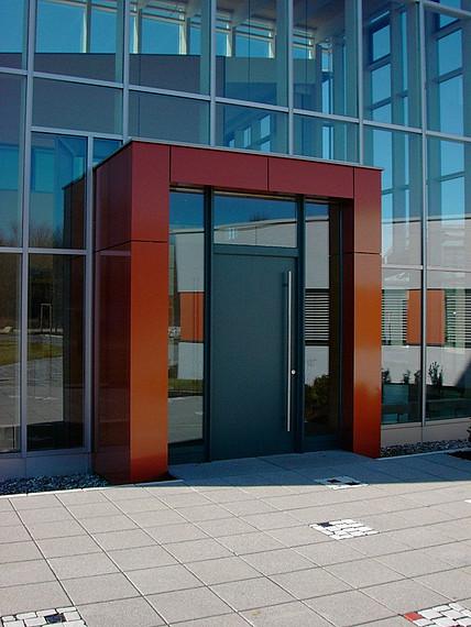 Eingangsbereich von außen