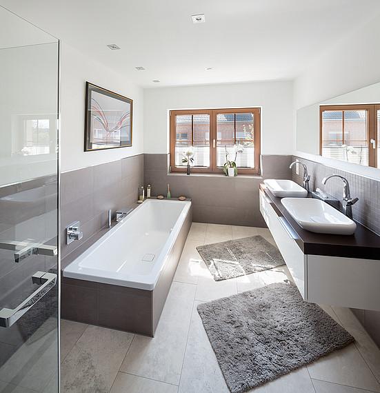 Badezimmer im Fertighaus im Landhausstil