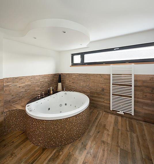 Einfamilienhaus: Großes Badezimmer