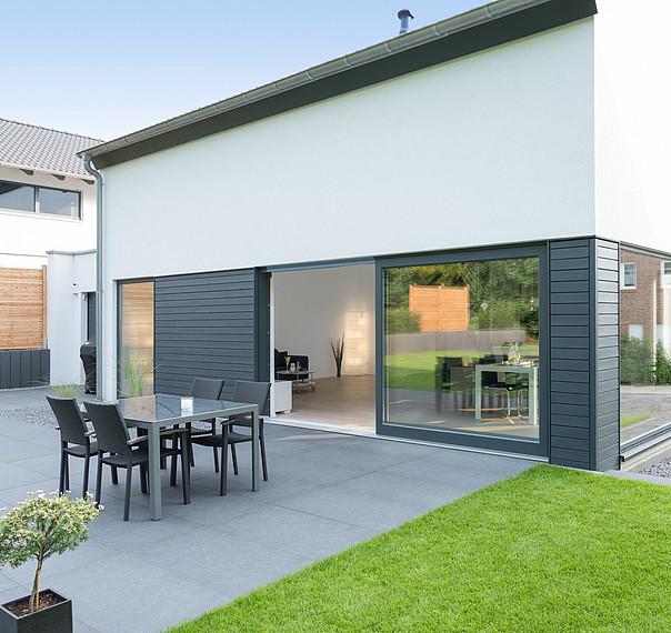 Modernes Einfamilienhaus Terrasse