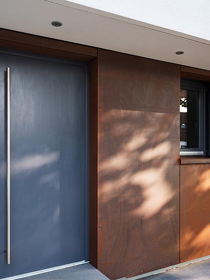 Fertighaus Bauhausstil Eingangstür