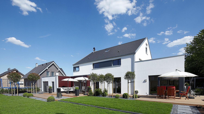 Fertighaus: Zweifamilienhaus Außenbereich
