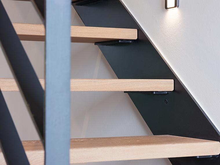 Modernes Einfamilienhaus Treppenstufen