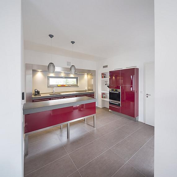 Stilvoller und offener Küchenbereich