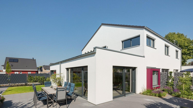 Zweifamilienhaus: nachhaltiges Fertighaus