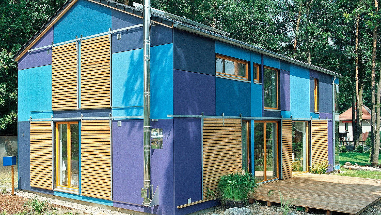 Haus mit blauer Fassade