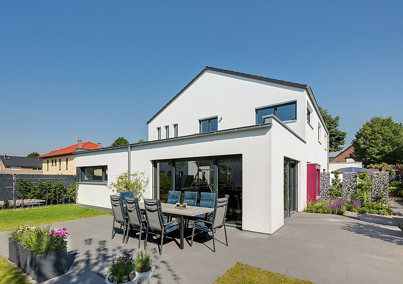Zweifamilienhaus mit großer Terrasse