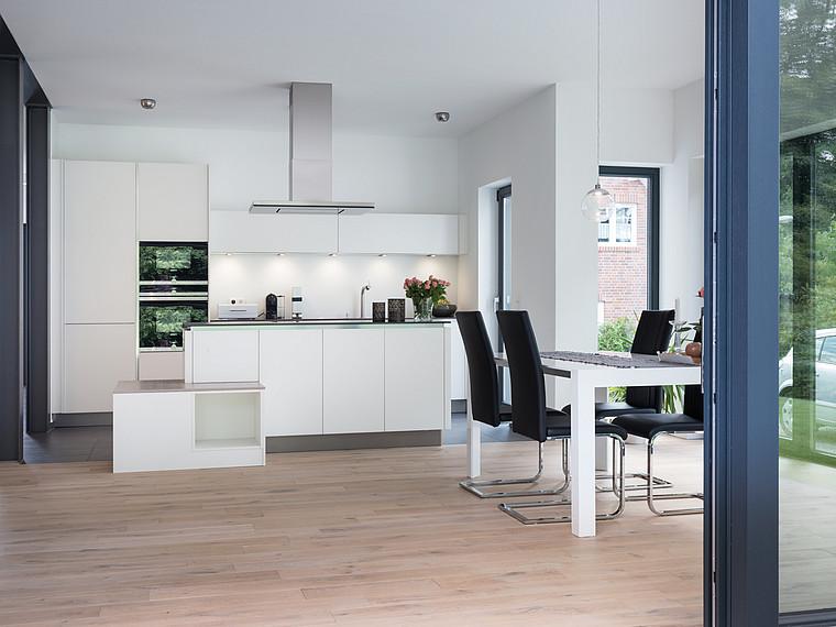 Modernes Einfamilienhaus offene Küche