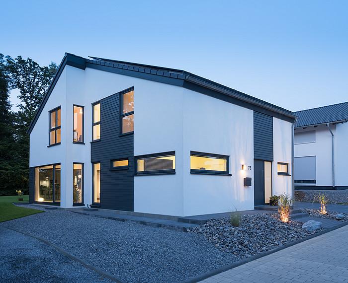Modernes Einfamilienhaus Außenansicht